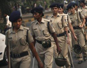policwomen